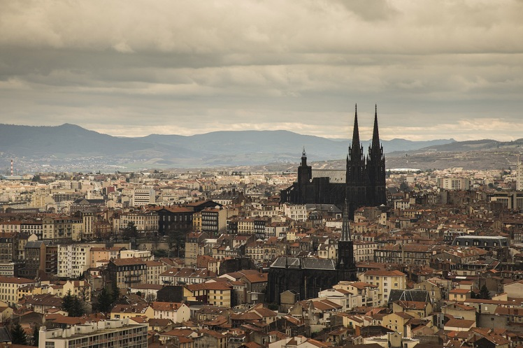 clermont-ferrand-cityscape-photo-1