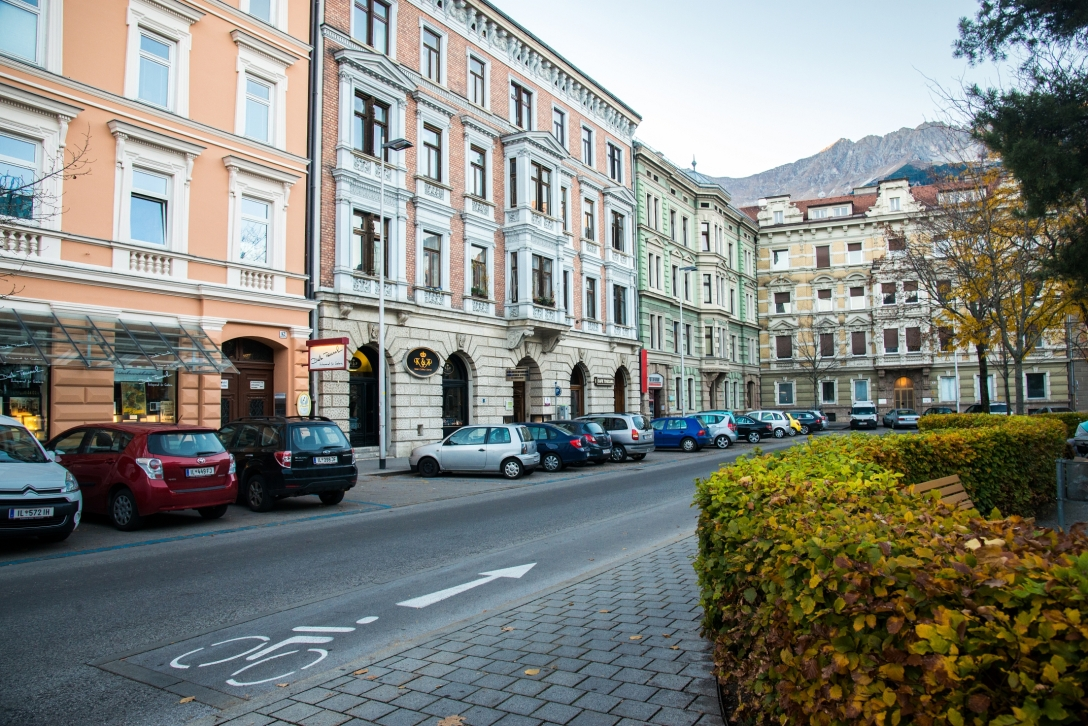 innsbruck-cityscape-miller-and-waveman-photo (11)